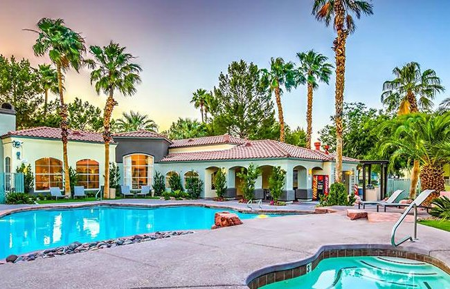 Parkway Townhomes Apartments in Henderson, NV