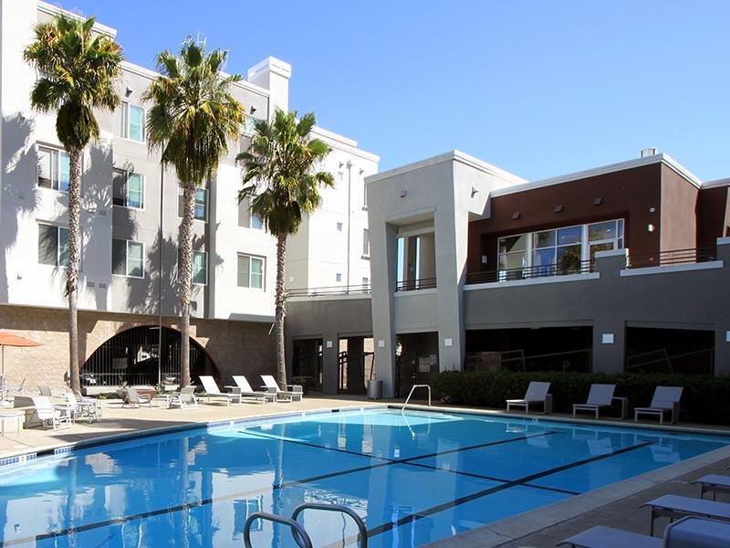 Bridgecourt Apartments in Emeryville, CA - Pool