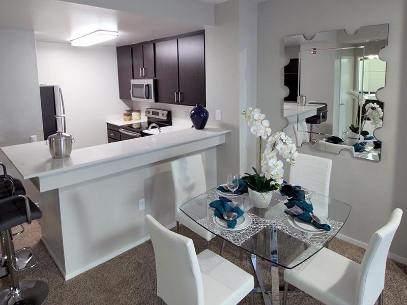 Bridgecourt Emeryville Apartments - Open Layout