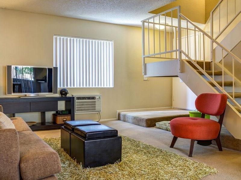Living Room | Horizon Apartments