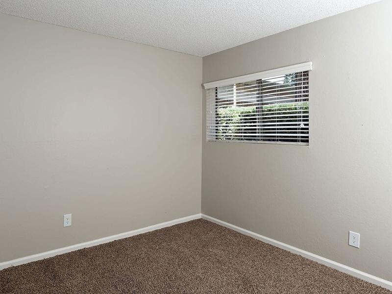 1 Bedroom Apartments in Santa Ana