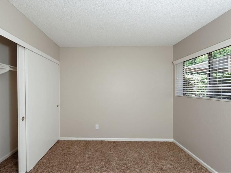 2 Bedroom Apartments in Santa Ana
